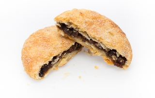 Eccles Cake cut low resolution